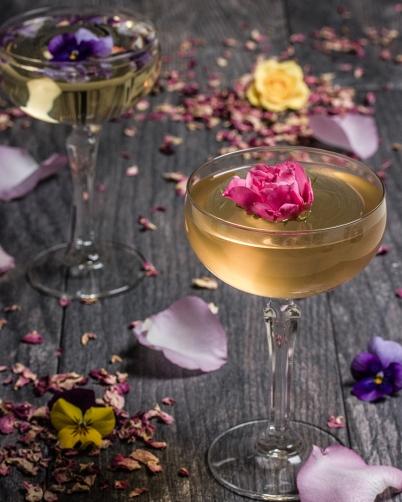 Rose and violet wine / Cookbook of Apicius / 1st century, Italy